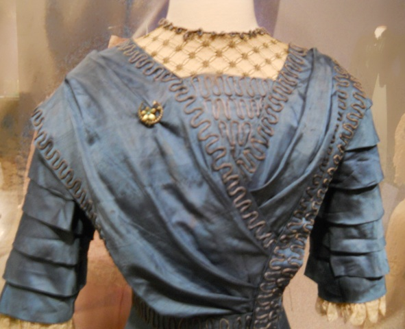 titanic-era-silk-gown