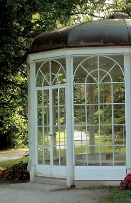 sound of music gazebo at hellbrunn palace