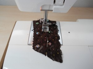 sew with stretch lace trim by machine