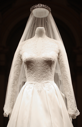 royal-wedding-dress-close-up-on-display