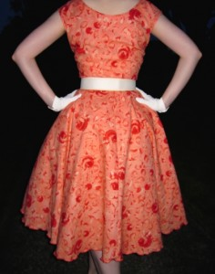 vintage-1950s-dress-with-wide-belt