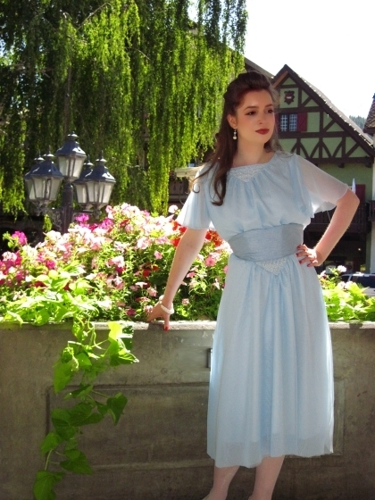 maria's-blue-chiffon-dress-from-the-sound-of-music