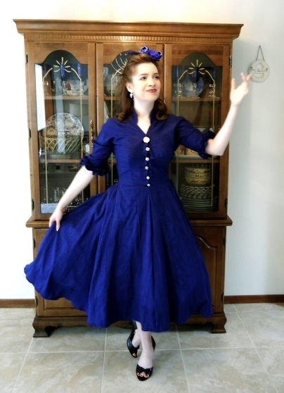 Butterick Retro 40 Pattern Review A Blue Silk 40s Dress Gorgeous Vintage Dress Patterns 1950s