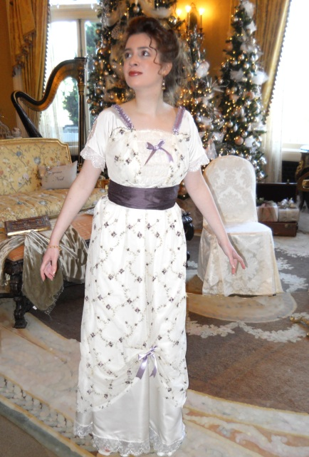 lacy-edwardian-tea-dress