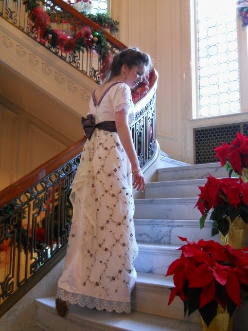victorian-christmas-dress-in-a-mansion