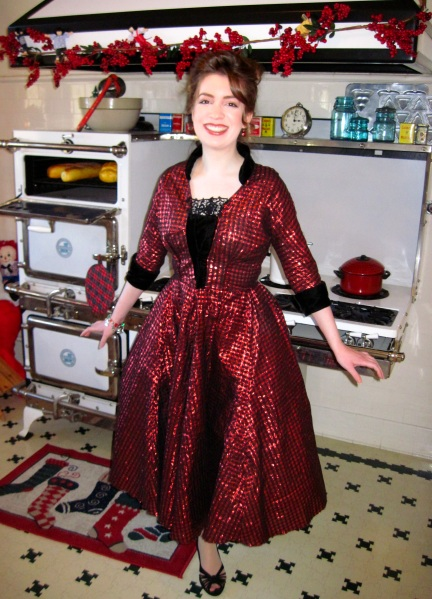 red-1950s-christmas-party-dress