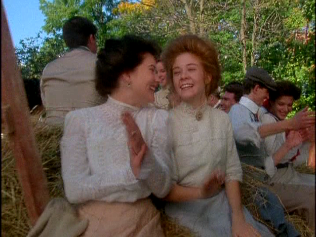 anne-of-avonlea-film-costumes-sewing