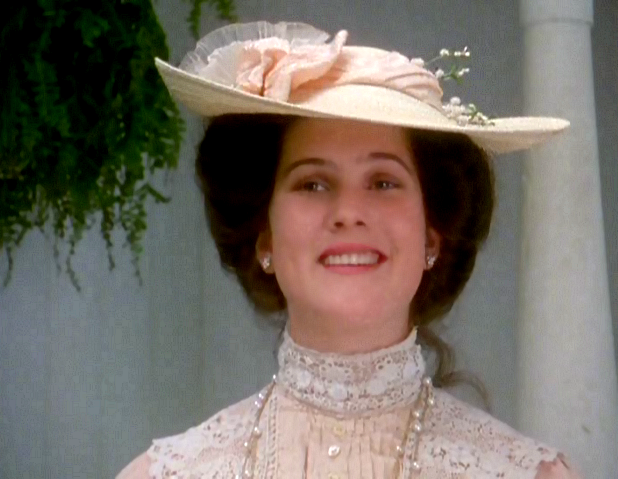 diana-barry-scuyler-grant-anne-of-avonlea-costume