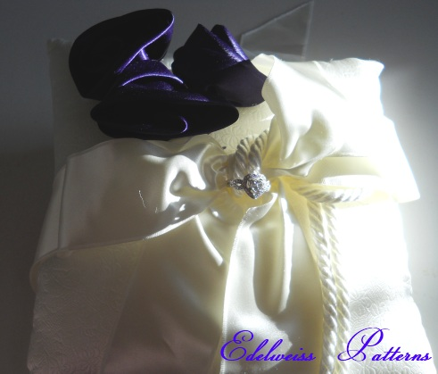 ivory-purple-wedding-pillow