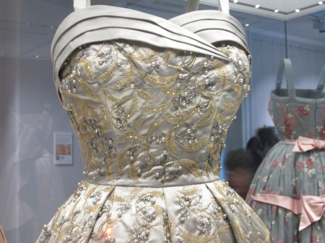Queen Elizabeth\'s Gowns At Kensington Palace!   Edelweiss Patterns Blog