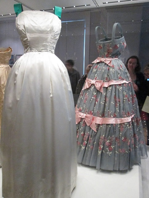 norman-hartnell-royal-tour-gown