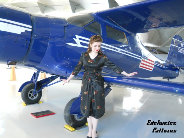 vintage-dress-and-airplane-picture