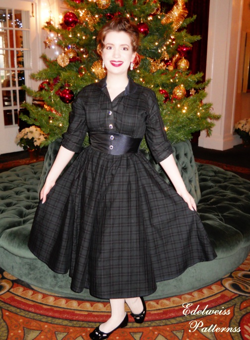 1950s-plaid-dress