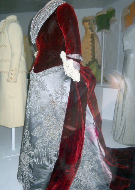 1880s-bustle-gown-first-lady