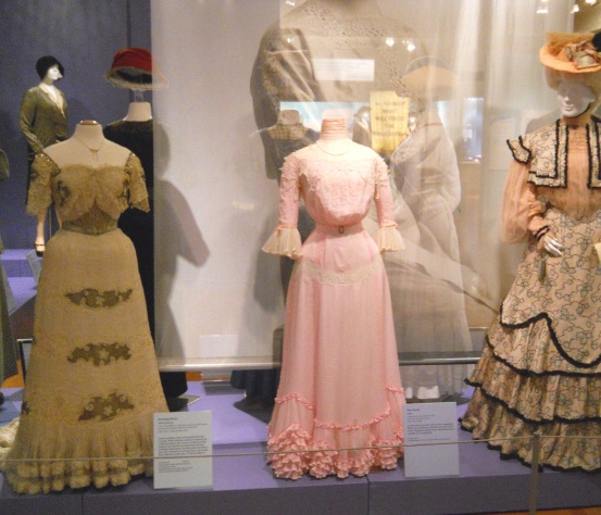 edwardian-gown-exhibit