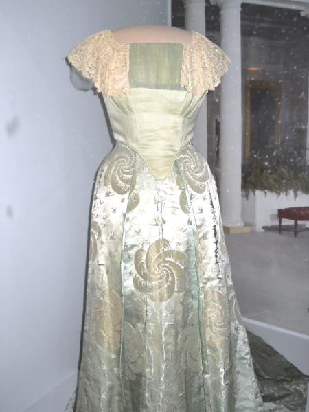 first-lady-ball-gown