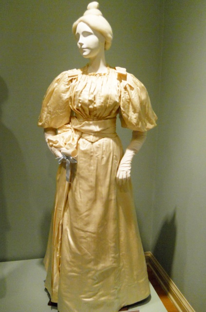 edwardian-graduation-dress