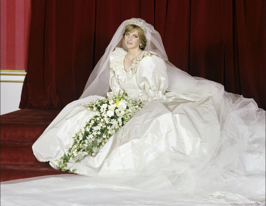princess-diana-wedding-gown