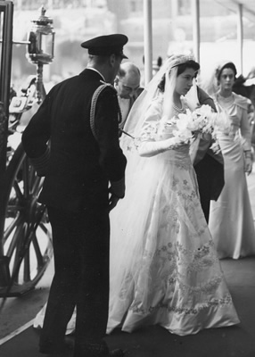 princess-elizabeth-wedding-dress