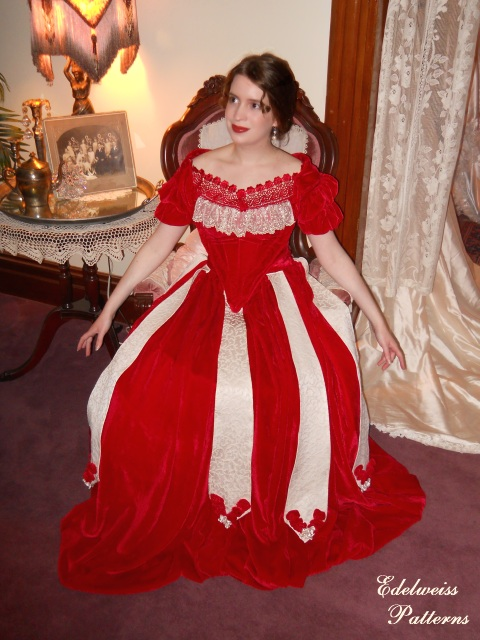 victorian-ball-gown-reproduction