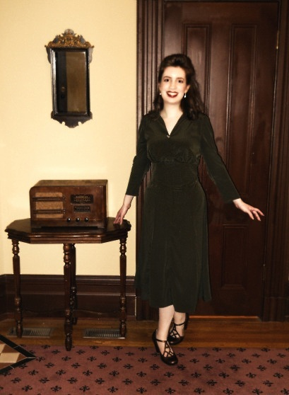 1940s-dress-long-sleeves