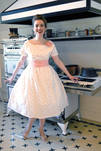 retro-1950s-housewife