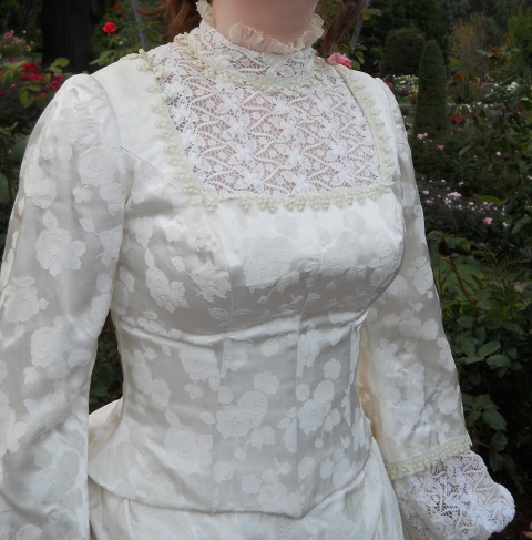 katrina-casey-victorian-dress