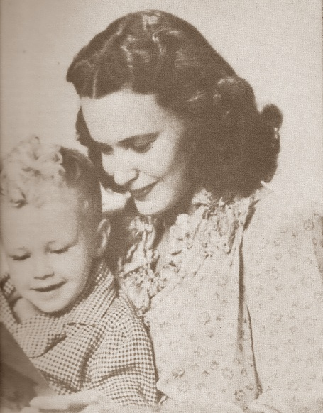 wwii-mother-and-child